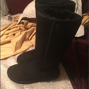 UGG Shoes - Good condition UGG tall boots